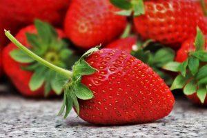 https://bretagne-sport-sante.fr/wp-content/uploads/2019/11/bretagne-sport-sante-grossesse-eviter-diabete-gestationnel-fraises.jpg